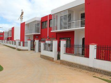 AMBATOBE- VILLAS MITOYENNES T5 DE STANDING – REF 2019-AOBA10